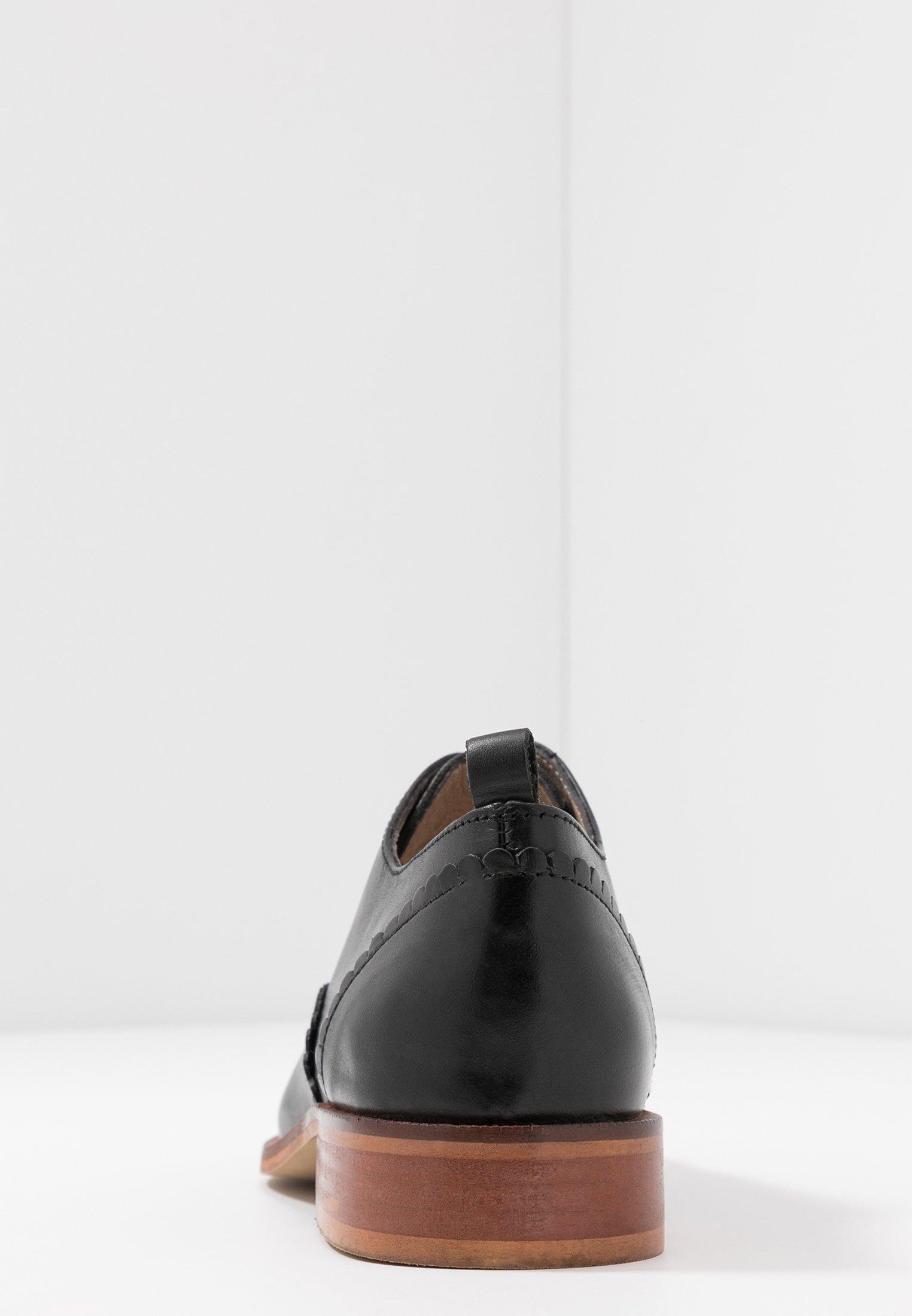 Veterschoenen black