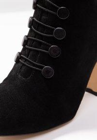 mint&berry - Kotníkové boty - black - 2