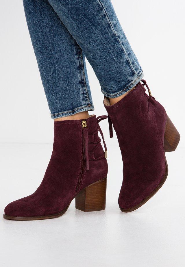 Korte laarzen - bordeaux
