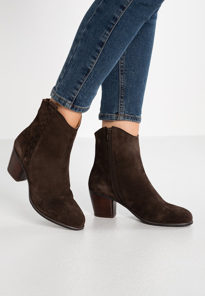 mint&berry - Cowboy/biker ankle boot - dark brown