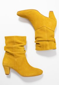 mint&berry - Classic ankle boots - yellow - 3