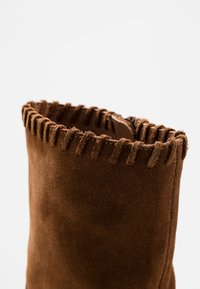mint&berry - Classic ankle boots - cognac - 2