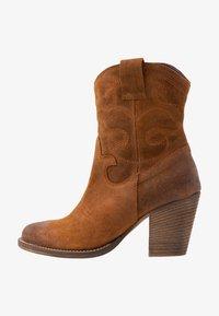 mint&berry - Cowboy/biker ankle boot - cognac - 1