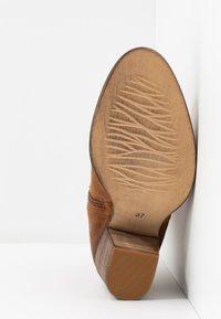 mint&berry - Cowboy/biker ankle boot - cognac - 6