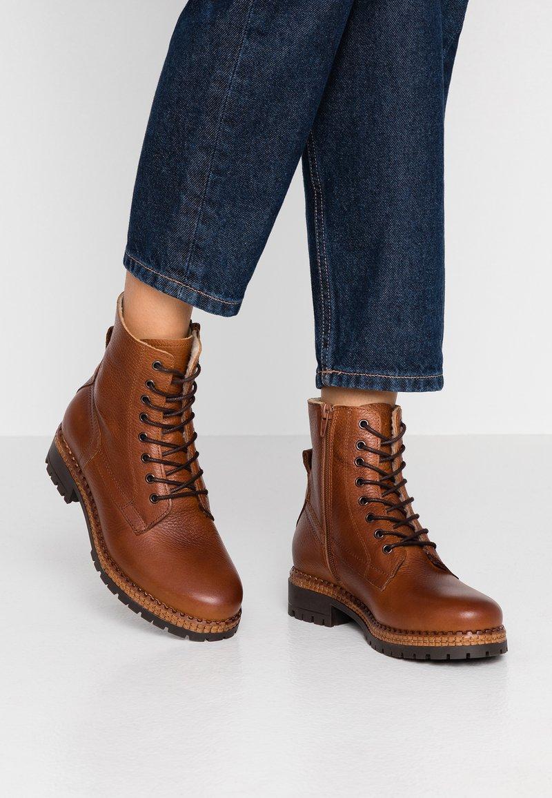 mint&berry - Winter boots - cognac