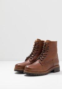 mint&berry - Winter boots - cognac - 4