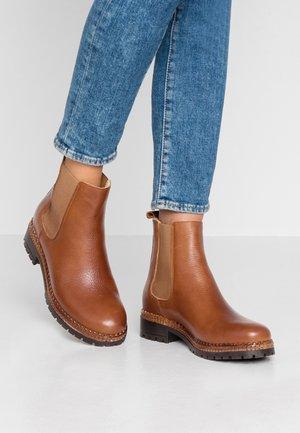 Winter boots - cognac