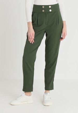 Spodnie materiałowe - kombu green