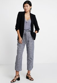 mint&berry - Trousers - dark blue/off-white - 1