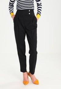 mint&berry - Spodnie materiałowe - black - 0