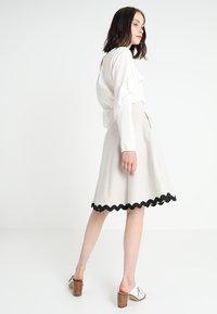 mint&berry - A-line skirt - lunar rock - 2