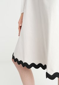 mint&berry - A-line skirt - lunar rock - 3