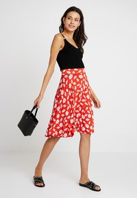 mint&berry - A-line skirt - white/red - 1