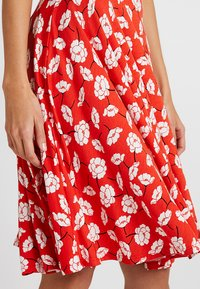 mint&berry - A-line skirt - white/red - 4