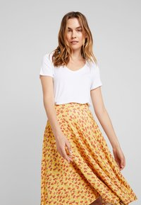 mint&berry - A-line skirt - yellow - 3