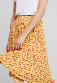mint&berry - A-line skirt - yellow - 4