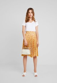mint&berry - A-line skirt - yellow - 1