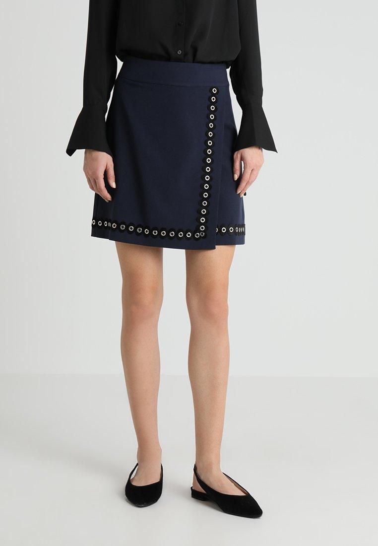 mint&berry - Spódnica z zakładką - navy blazer