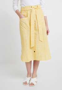mint&berry - SKIRT WITH BUTTON LEDGE - A-line skirt - yellow/white - 0