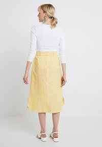 mint&berry - SKIRT WITH BUTTON LEDGE - A-line skirt - yellow/white - 2