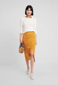 mint&berry - Pencil skirt - yellow/white - 1