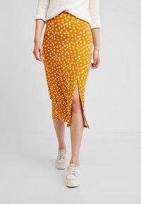 mint&berry - Pencil skirt - yellow/white - 0