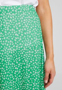 mint&berry - Maksihame - white/green - 5