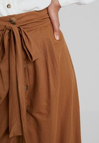 mint&berry - A-line skirt - brown