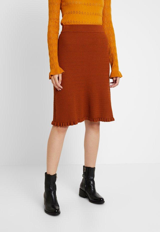 Áčková sukně - brown