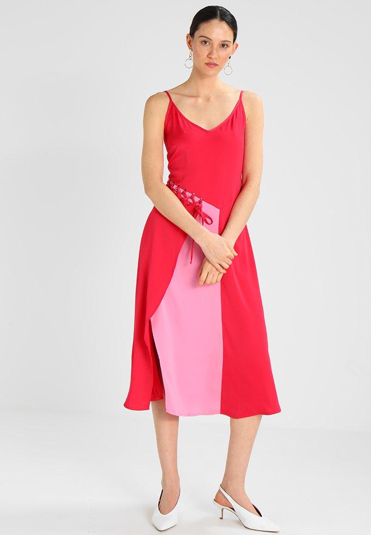 mint&berry - Robe d'été - virtual pink