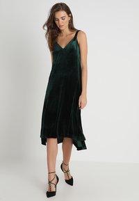 mint&berry - Společenské šaty - dark green - 2