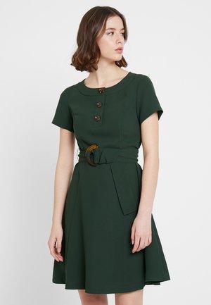 Sukienka koszulowa - kombu green