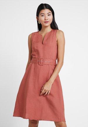Sukienka letnia - etruscan red