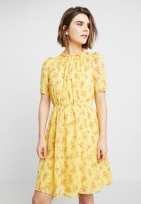mint&berry - Day dress - yellow - 0