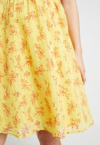 mint&berry - Day dress - yellow - 6