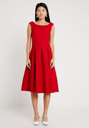 Vestido ligero - crimson