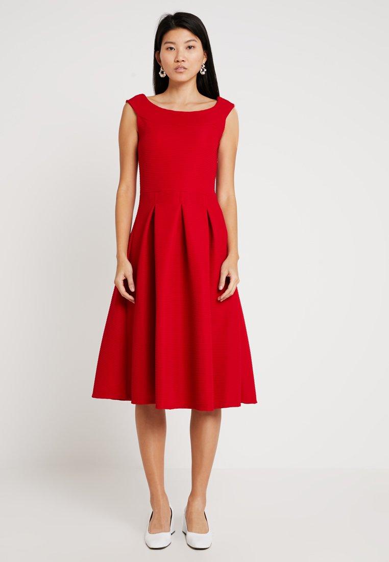 mint&berry - Jerseykleid - crimson