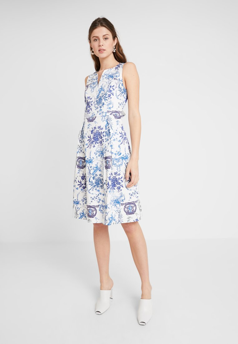 mint&berry - Day dress - light blue/white