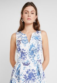 mint&berry - Freizeitkleid - light blue/white - 3
