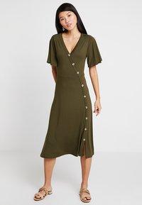 mint&berry - Vestito di maglina - olive night - 0