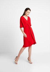 mint&berry - Koktejlové šaty/ šaty na párty - red - 0