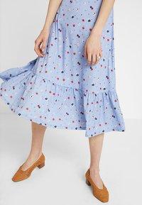 mint&berry - Maxi dress - white/blue - 5