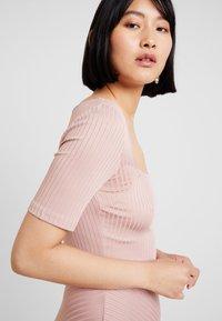 mint&berry - Žerzejové šaty - rose - 3