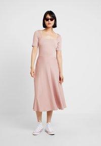 mint&berry - Žerzejové šaty - rose - 1