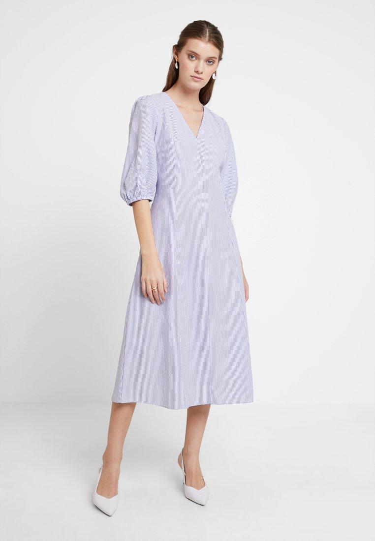mint&berry - Day dress - white/light blue