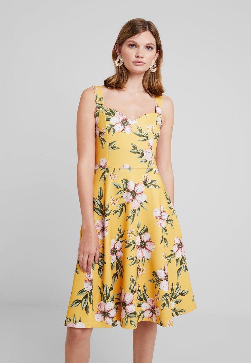 mint&berry - Jerseykleid - yellow