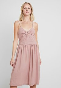 mint&berry - Day dress - rose - 0