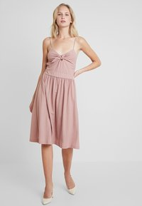mint&berry - Day dress - rose - 2