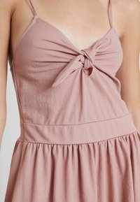 mint&berry - Day dress - rose - 6