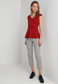 mint&berry - Print T-shirt - earth red - 1